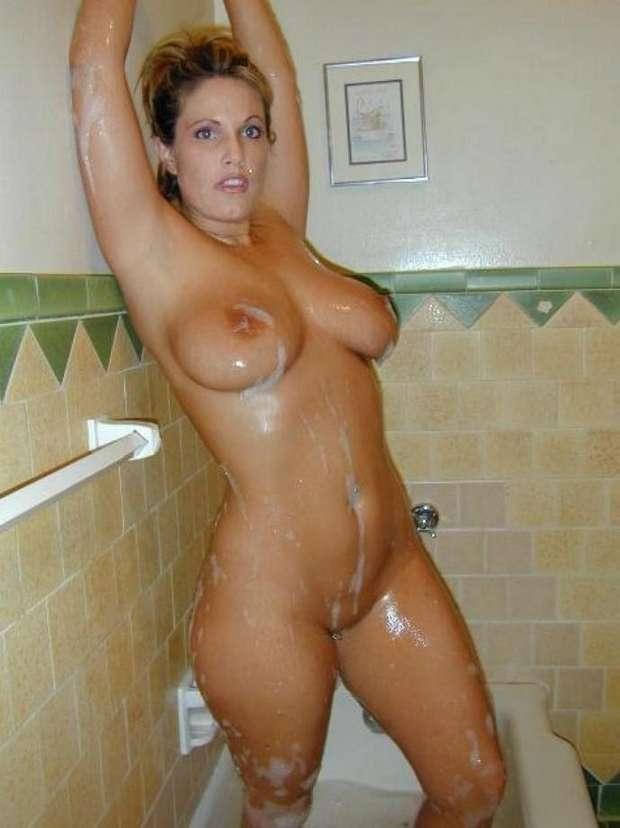 gros seins douche (9)