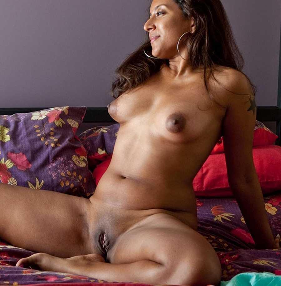 Hot Nude Amateurs
