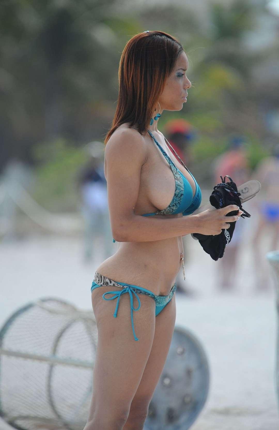 big tits bikini (20)