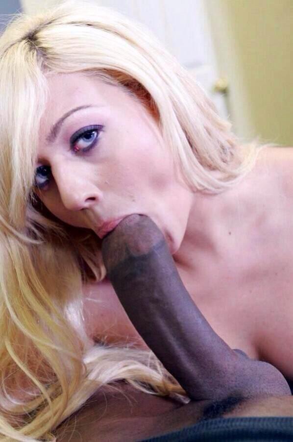 blonde suce black (21)