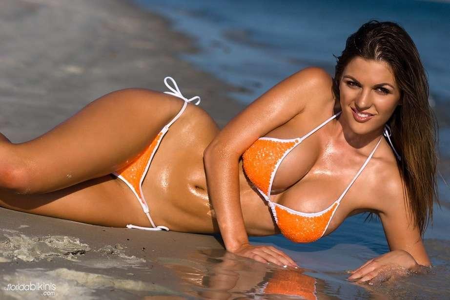 bombe bikini plage (24)