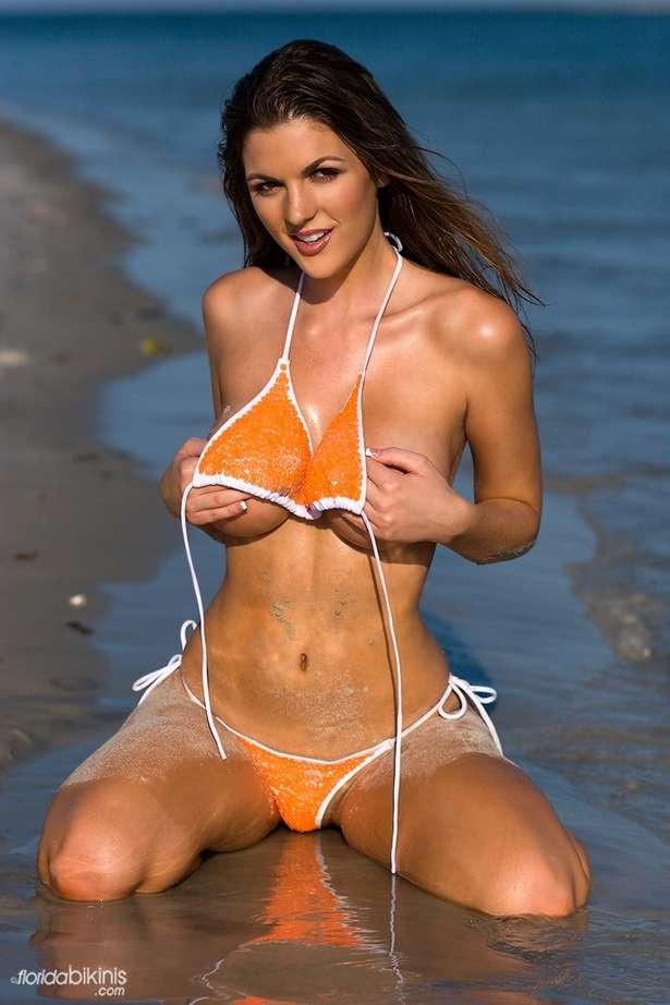 bombe bikini plage (31)