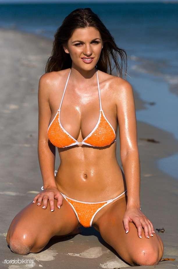 bombe bikini plage (32)