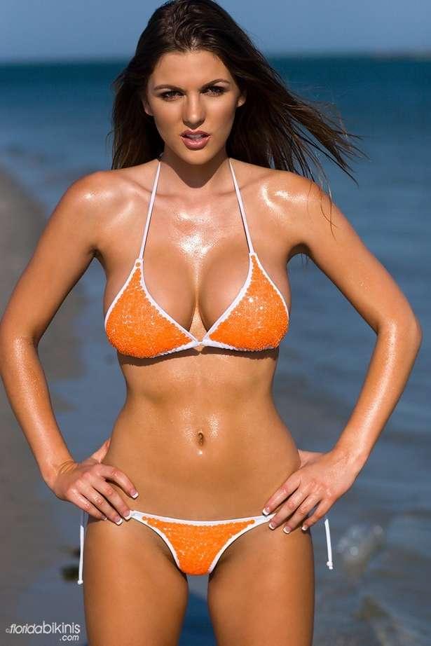 bombe bikini plage (36)