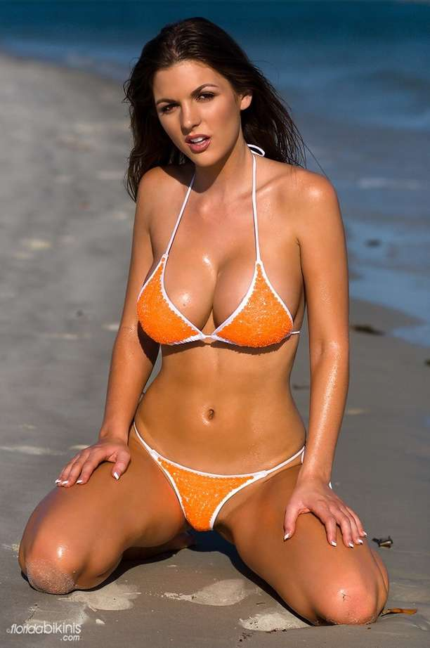 bombe bikini plage (37)