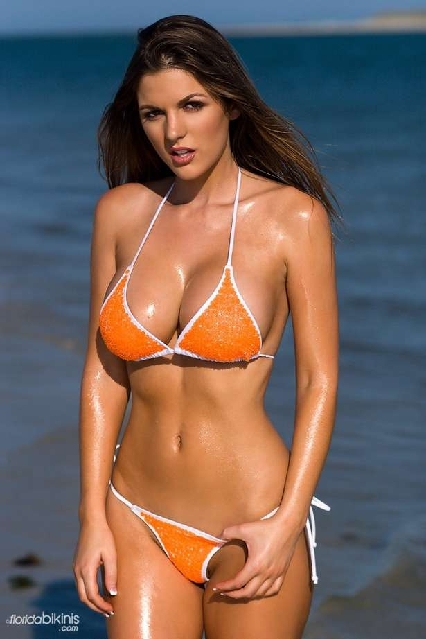 bombe bikini plage (39)