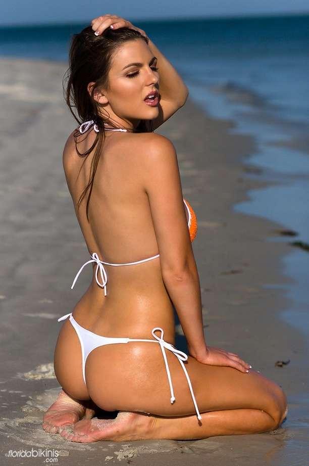 bombe bikini plage (5)
