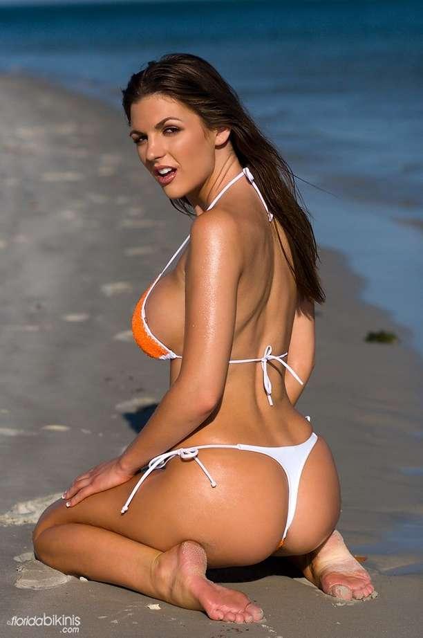 bombe bikini plage (6)