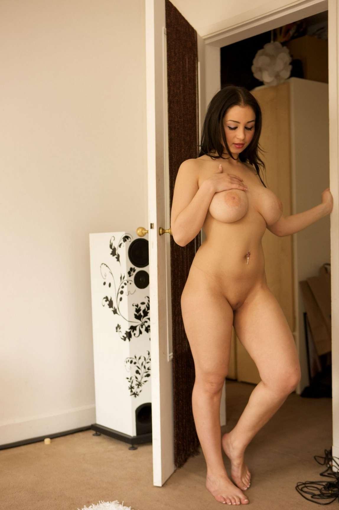 brunette gros seins (24)