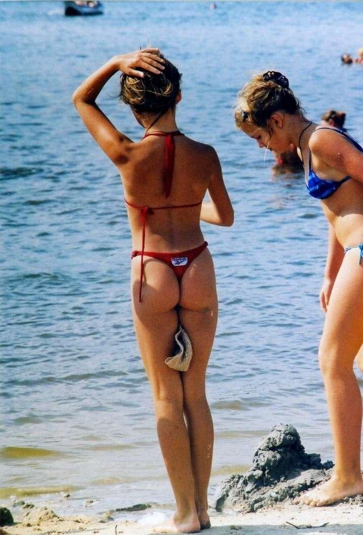 Bikini string concours de cul
