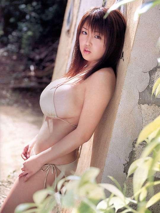gros seins asiatique (12)