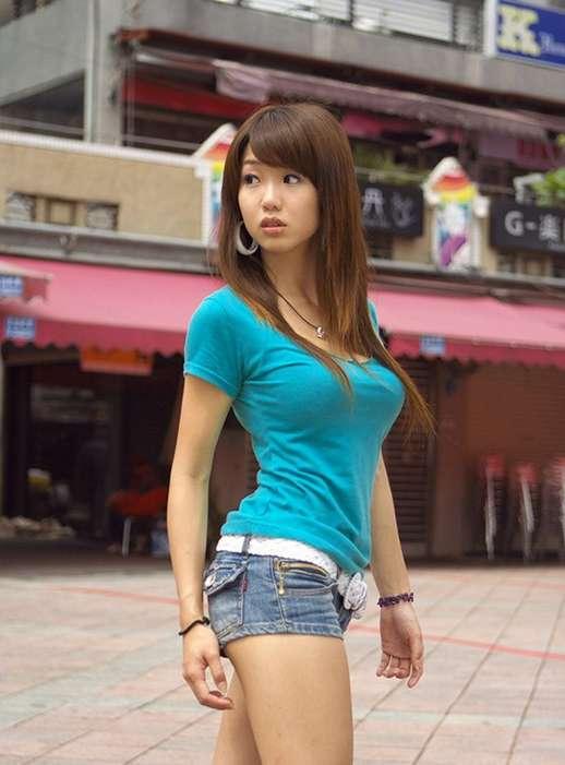 gros seins asiatique (19)