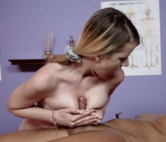 gros seins branlette (10)