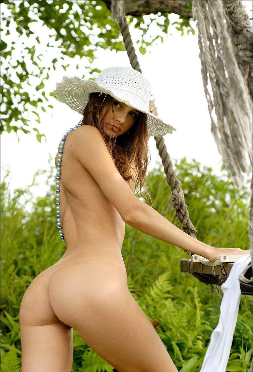 Jeune femme Russe sexy au cul parfait