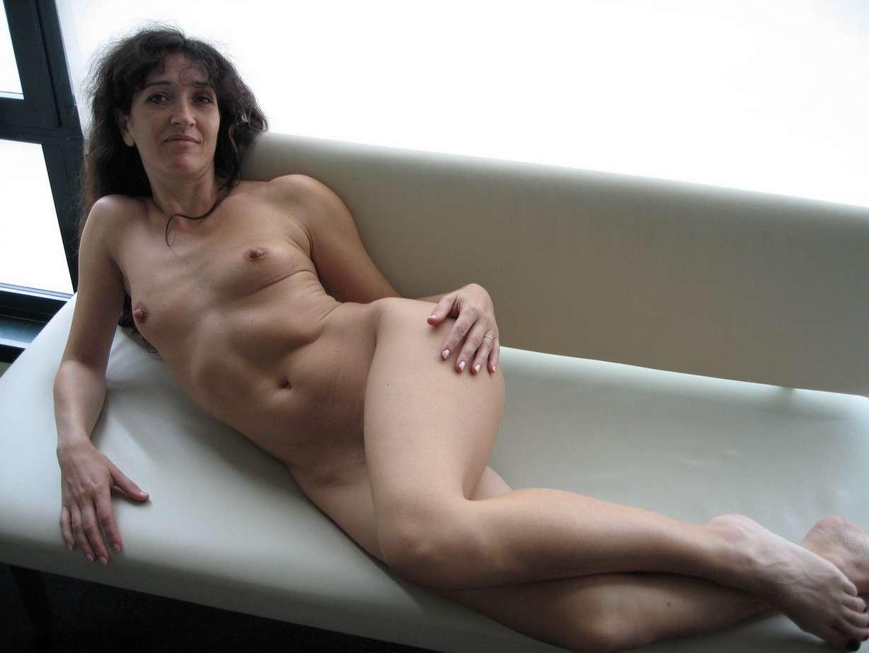 mature petits seins chaudasse (2)