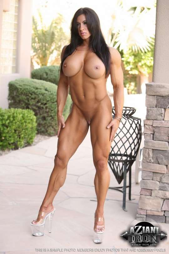 Nude Muscle Milf