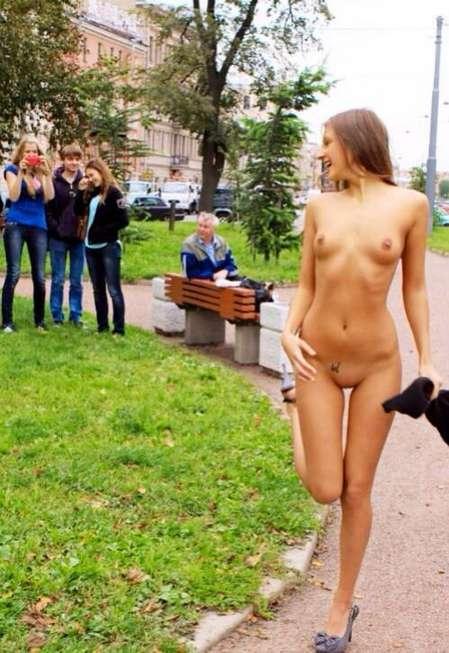 public exhibe (2)