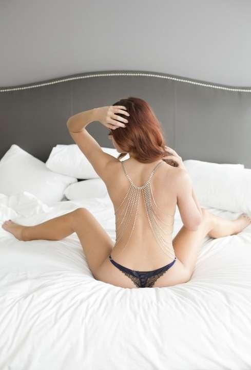 superbe brunette (4)