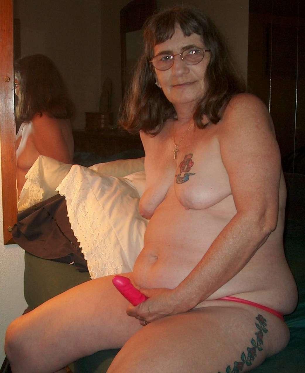 vieille cochonne nue (14)