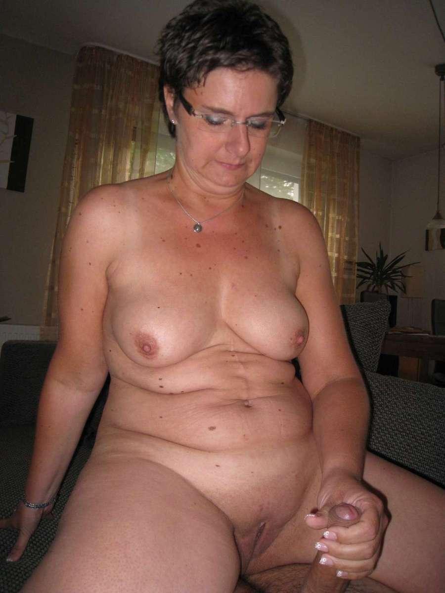vieille cochonne nue (2)