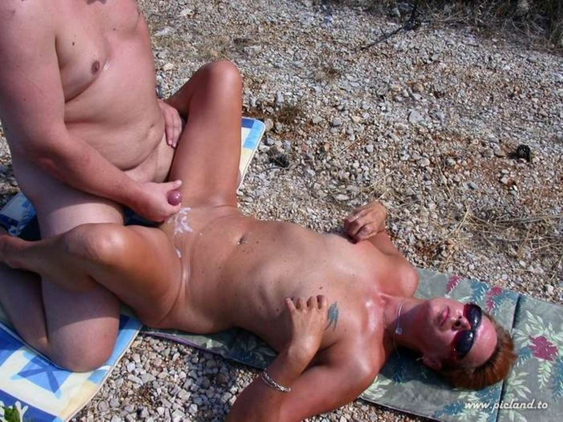 Порно на пляже муж жена друг маспаломас