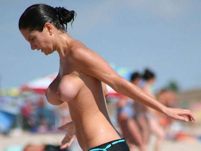 big tits topless (13)