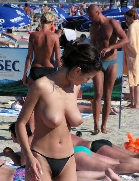 big tits topless (16)