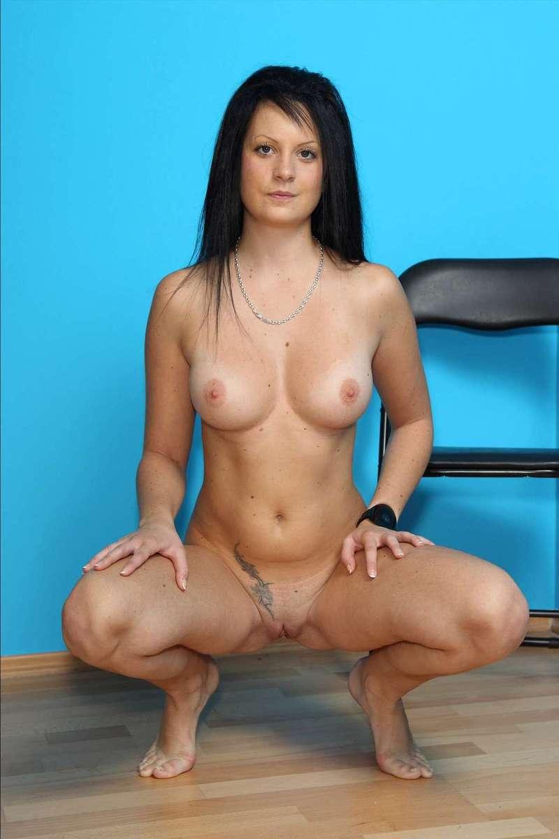 brune nue sexy (13)