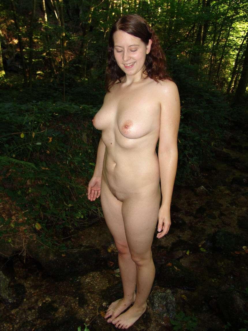 brune nue sexy (14)