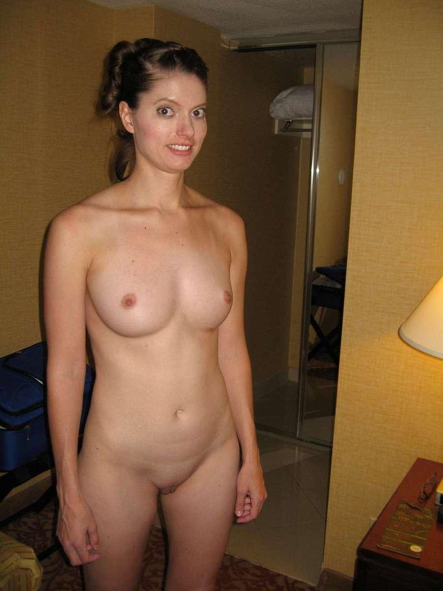 brune nue sexy (16)