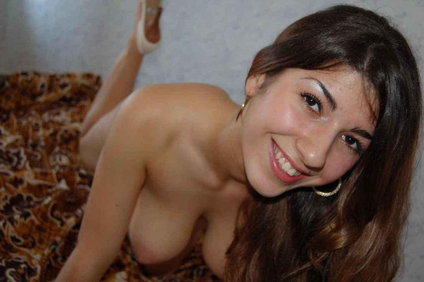 brune poilue gros lolos (22)