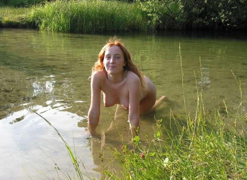exhibe rousse eau (3)