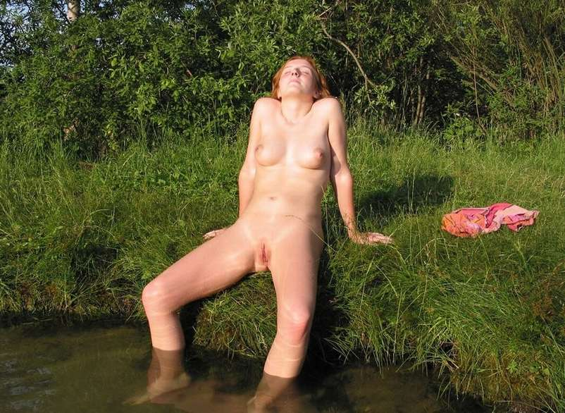 exhibe rousse eau (7)