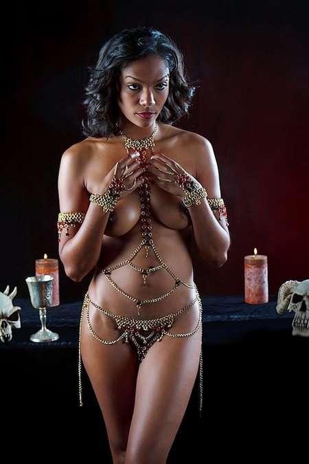 fille noire nude (1)