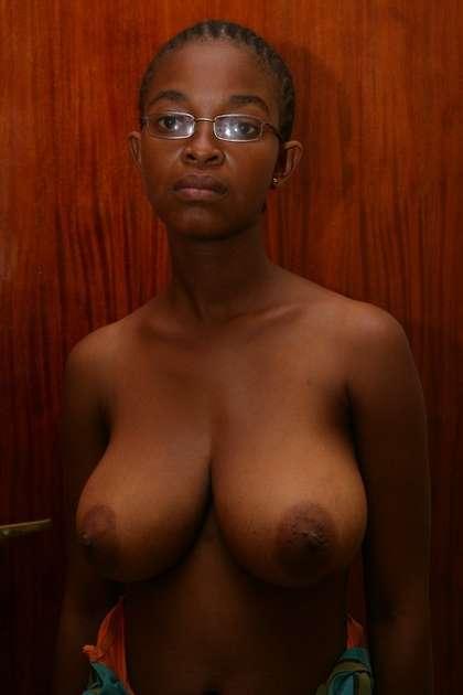 naked girl black boobs photos