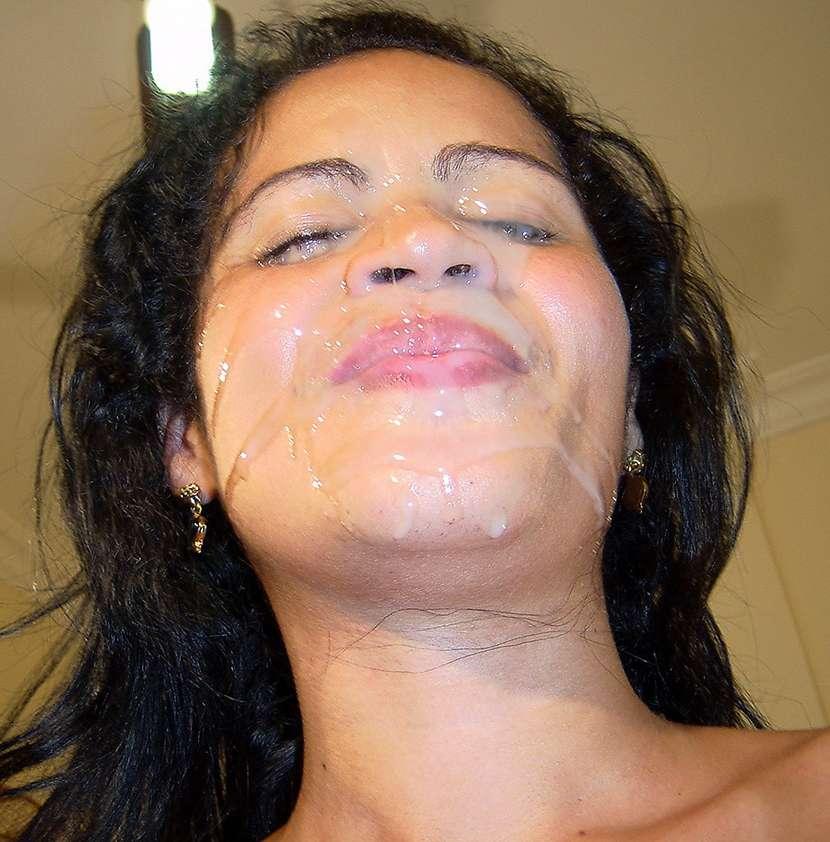 Indienne sexy se fait inonder de sperme !