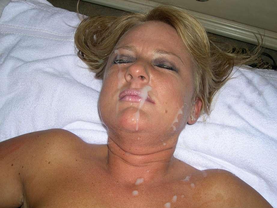 Les matures aussi aiment se faire arroser le visage