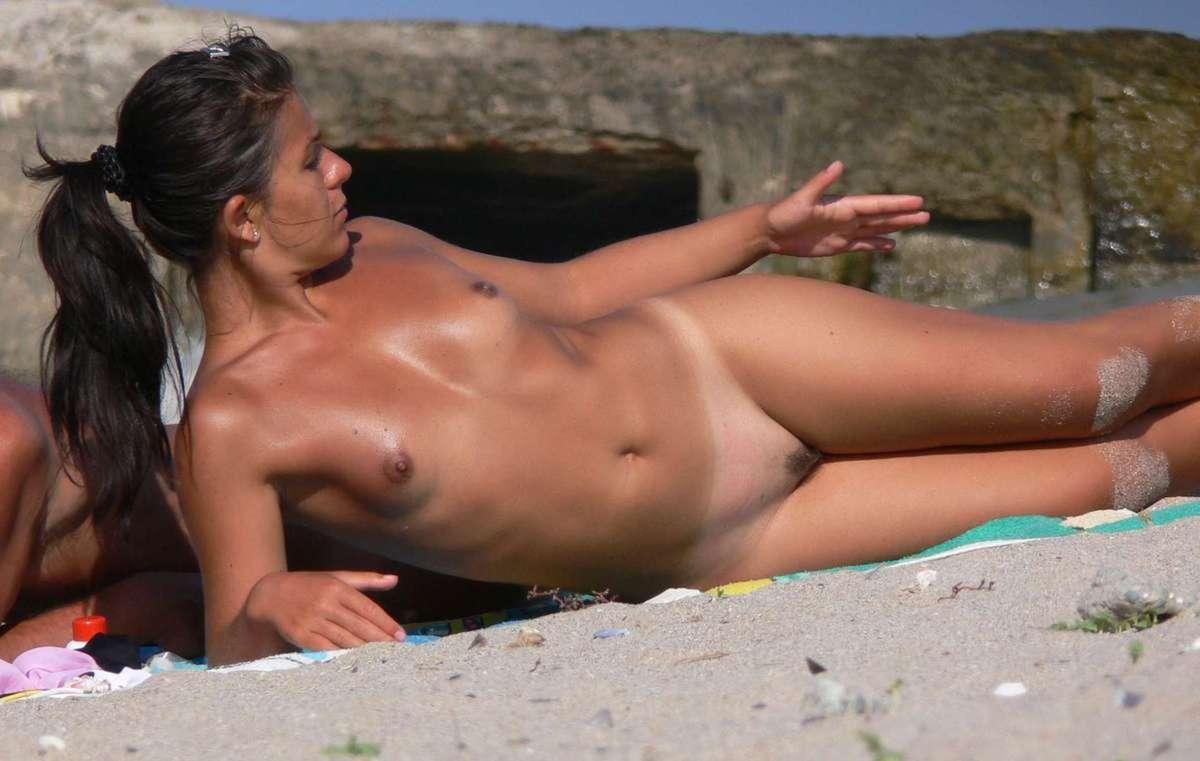 plage nue sexy (9)