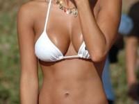 Et vous, vous en avez vu du gros nichons en bikini cet été ?