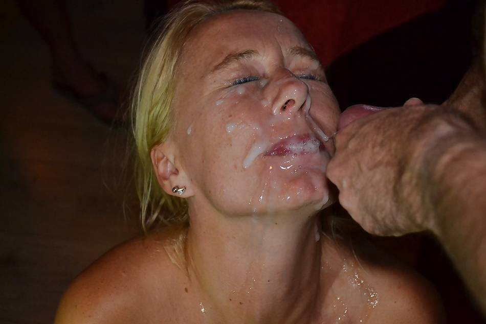 Big dick in pussy creampie