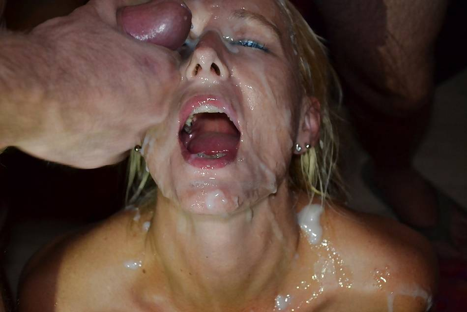 Pix man sucking womens clitoris
