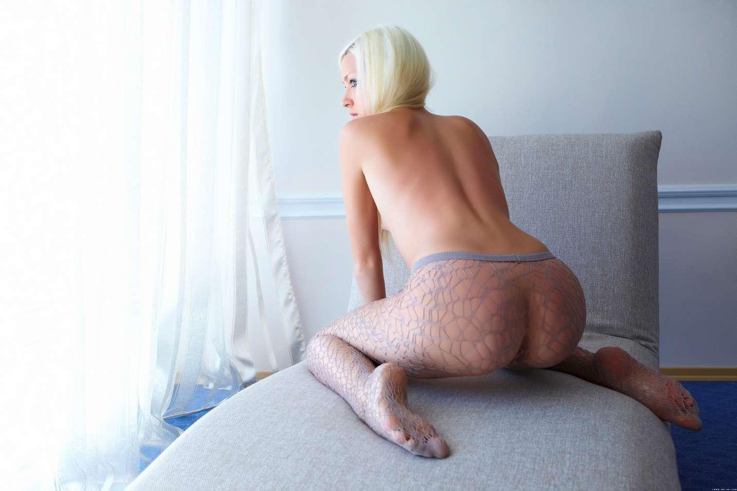 blonde collant (1)