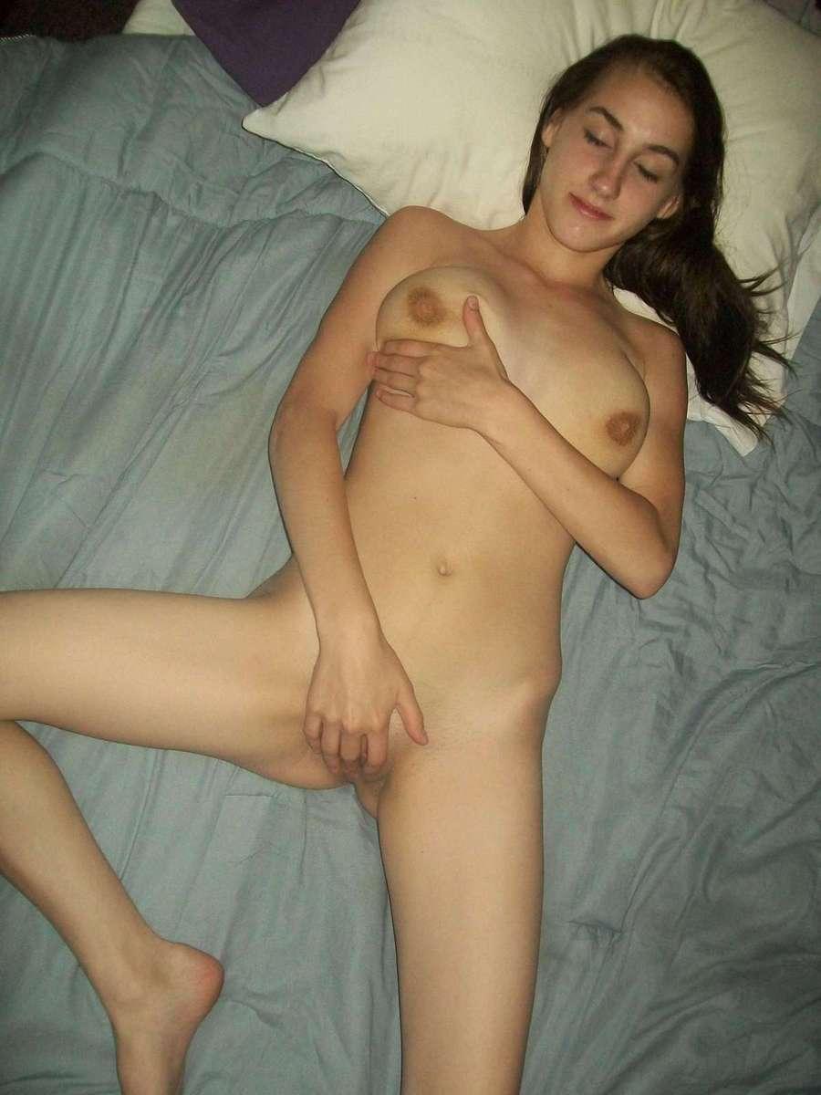 brune masturbation (14)