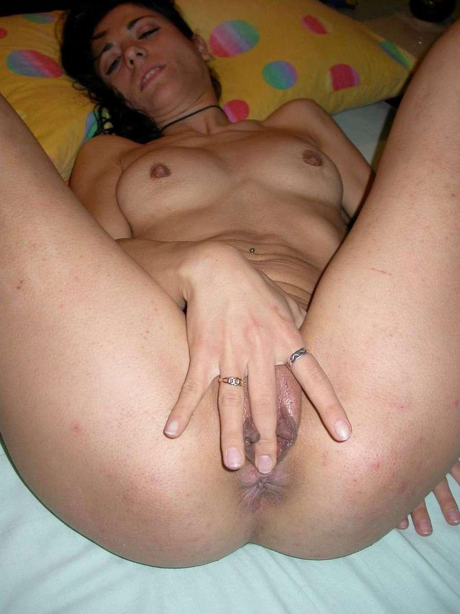 brune masturbation (2)