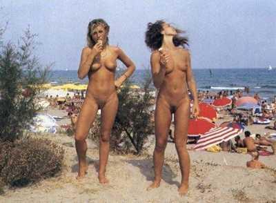 copine nue plage (30)