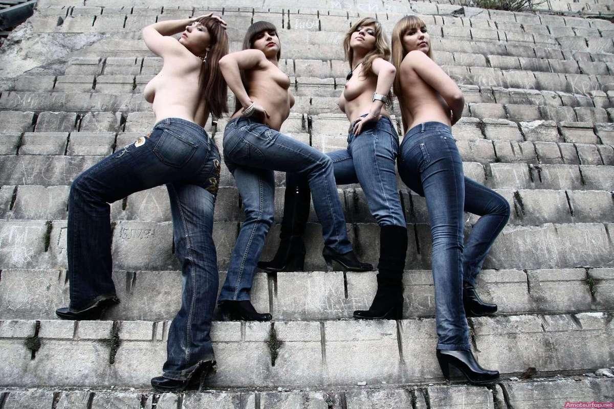 etudiantes seins nus (14)