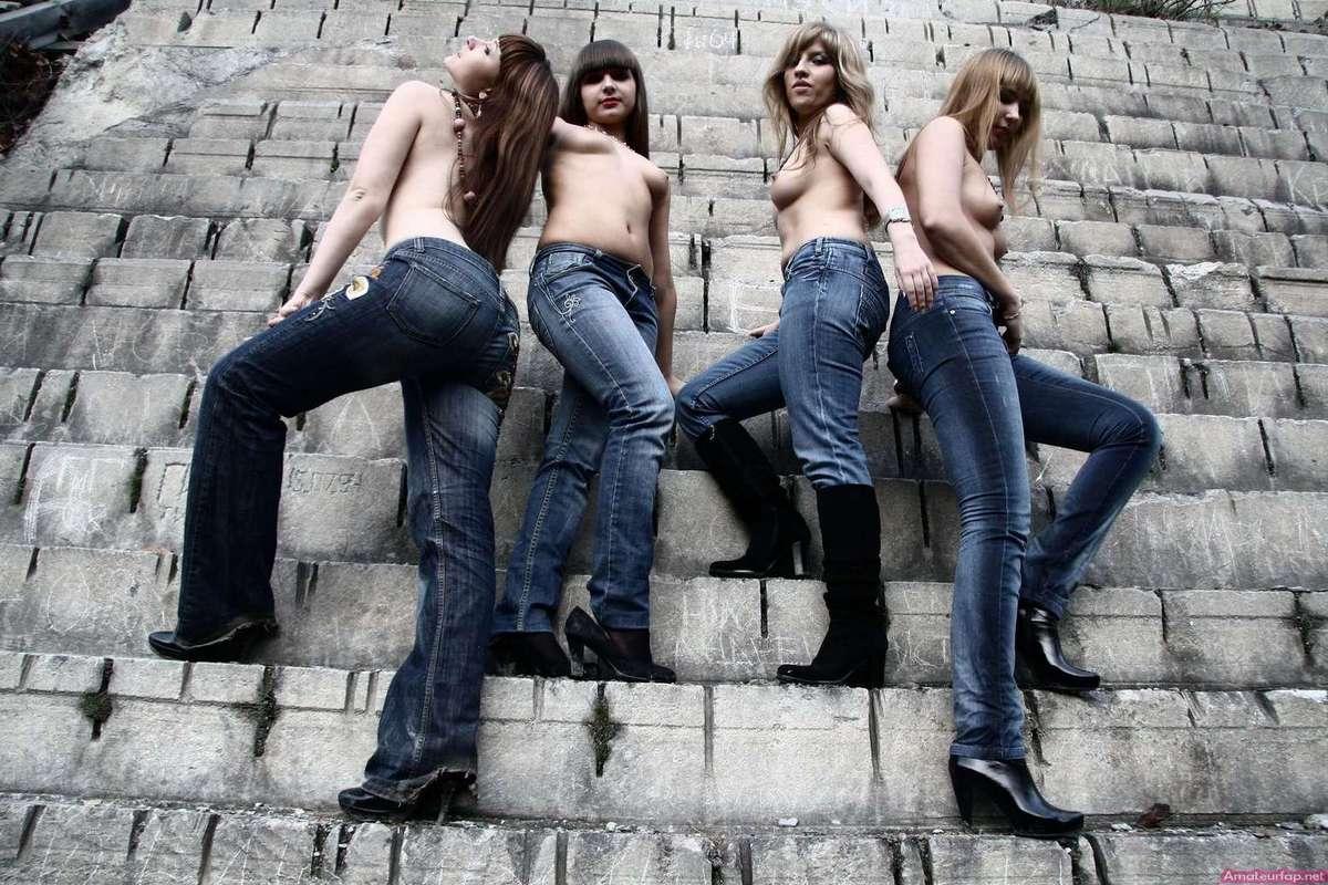 etudiantes seins nus (15)