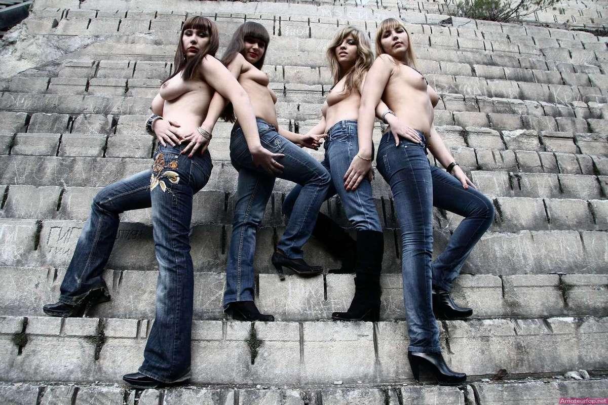 etudiantes seins nus (16)