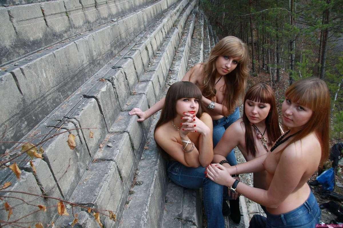 etudiantes seins nus (2)