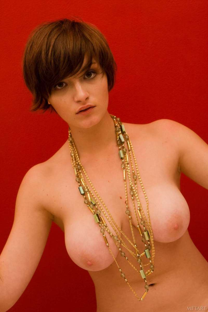 gros seins cheveux courts (3)